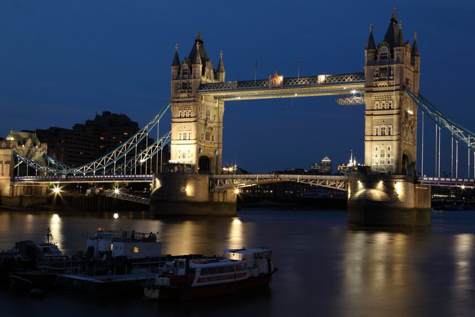 Dialoger på Engelska - Tourists in London